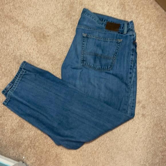 Lucky Brand 221 original straight leg Jean size 42